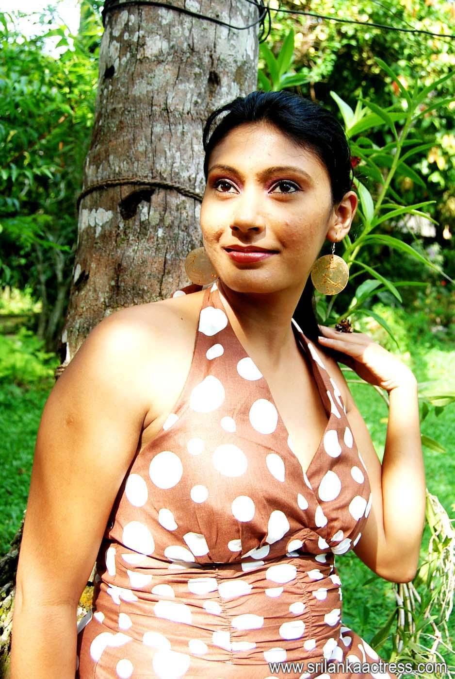 Hunting Actress yamuna hot images