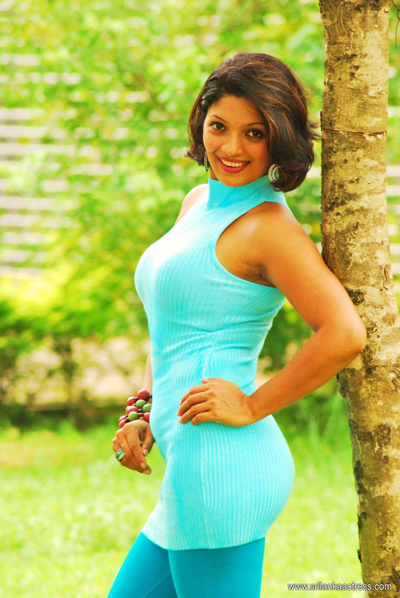 Thanuja Weerasooriya Nude Photos 15